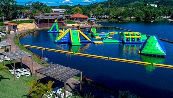 Parque aquático de flutuantes - Jaguariúna